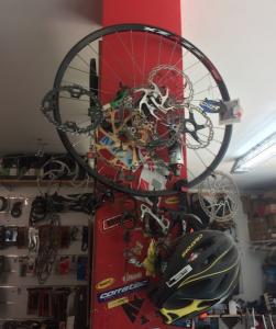 mur dels horrors a m2 bikes